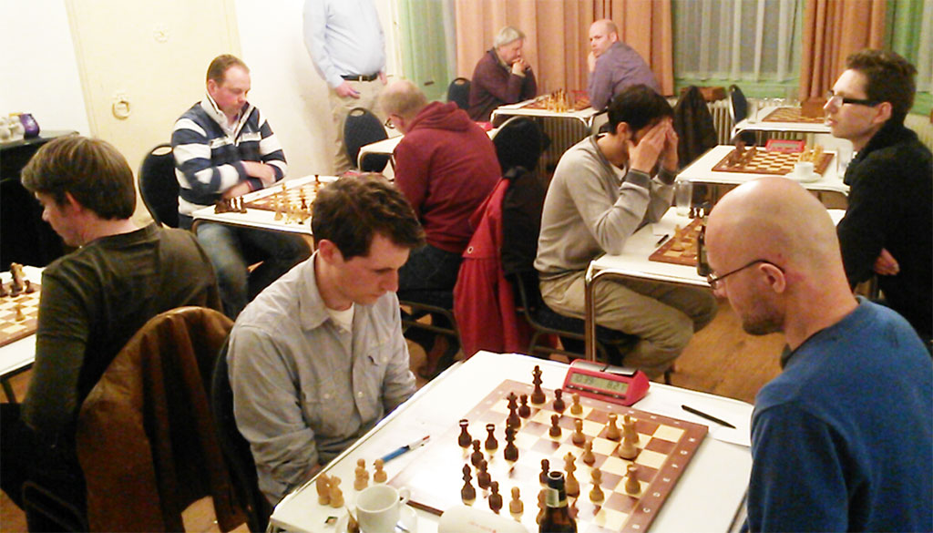 Over een kluisdeur, een energielabel, een 8-0 overwinning en enkele schaakpartijen: het relaas van Vegtlust  tegen Baarn
