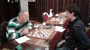 Knight kreeg door actief spel de overmacht en behaalde deze keer wel de winst.