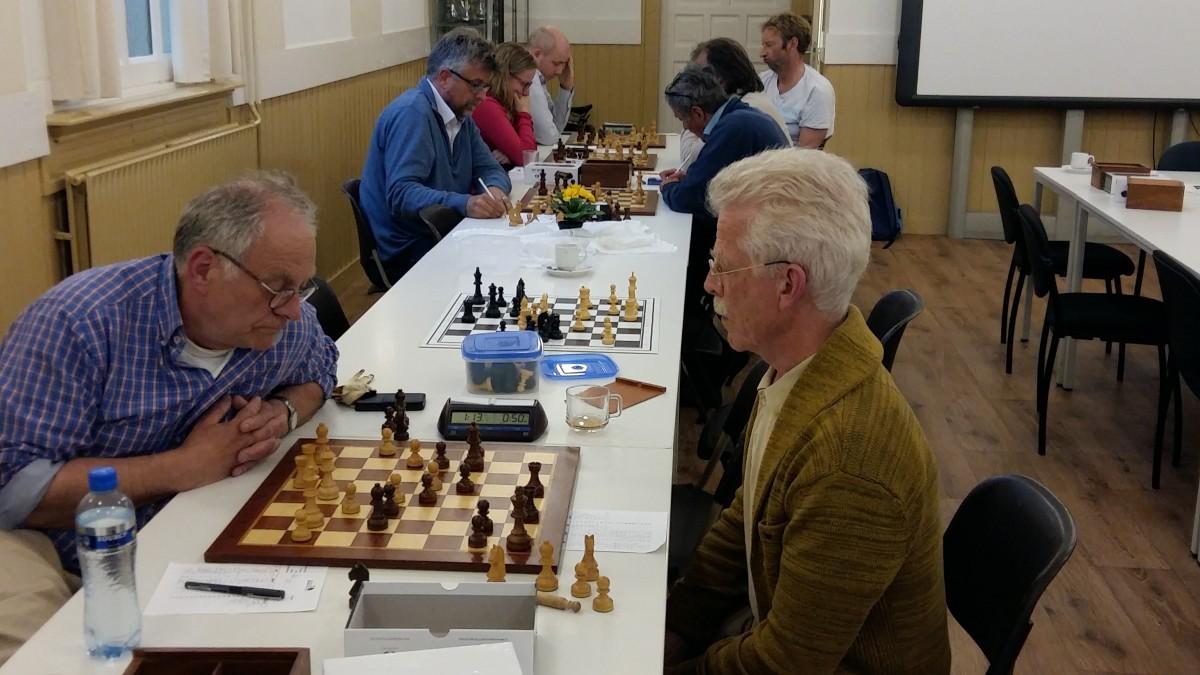 Boeiende strijd om schaakprijzen