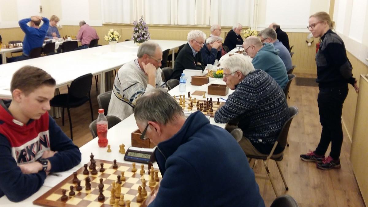 Twintig schakers in ronde 20