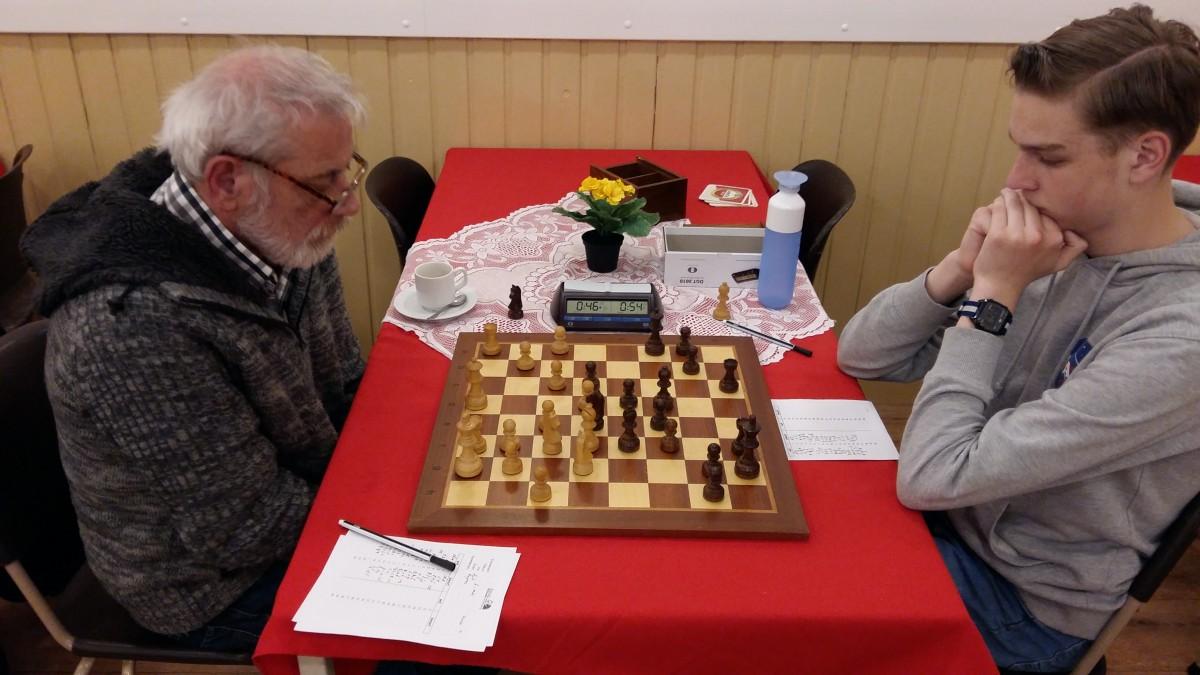 Jeugdleider verliest van jeugdig schaaktalent