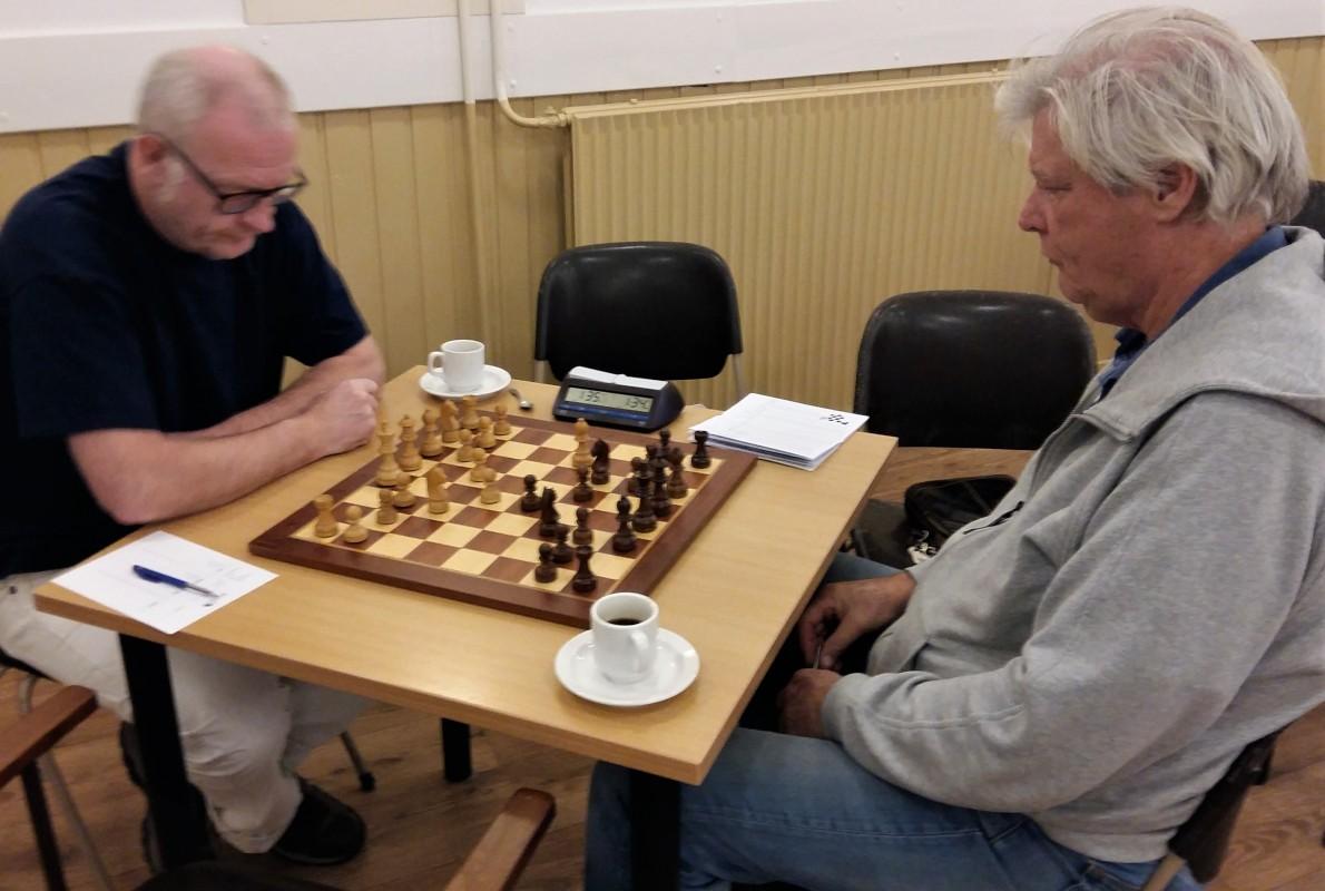 Clubkampioen en jeugd beginnen schaakseizoen goed