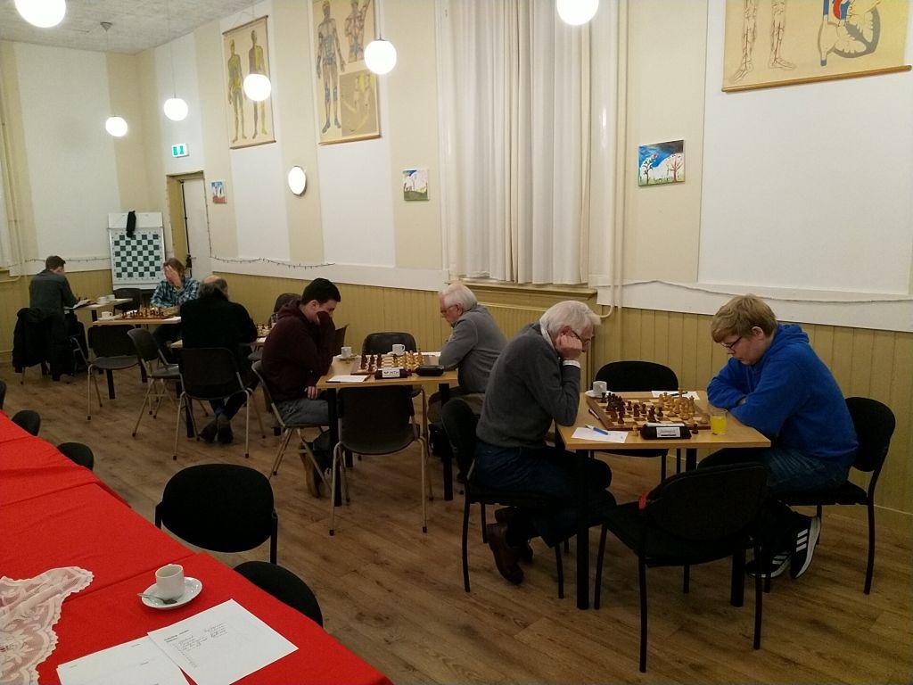 Overvolle schaakavond